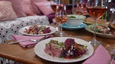 4 recept på rosa rätter till rosén. Menu, Mexican, Ethnic Recipes, Menu Board Design, Menu Cards