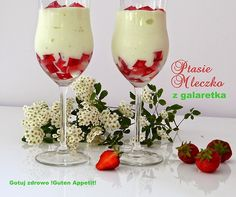 """Deser """"Ptasie mleczko"""" light Panna Cotta, Food And Drink, Sweets, Tableware, Glass, Ethnic Recipes, Carrot Cakes, Polish, Drinks"""