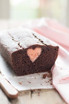 Plumcake with heart surprise inside Sweets Recipes, Desserts, Chocolate Roses, Plum Cake, Loaf Cake, Tea Cakes, Beautiful Cakes, Sweet Tooth, Bakery