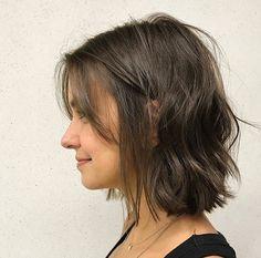 Best Short Wavy Bob Haircuts for 2020 - Long Bob Hairstyles 2019 Wavy Bob Haircuts, Bob Hairstyles For Fine Hair, Short Hairstyles For Women, Haircut Short, Hairstyles Haircuts, Short Bob Bangs, Hairstyle For Medium Length Hair, Oval Face Haircuts, Short Undercut
