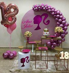 Birthday Party Table Decorations, Birthday Party Design, Birthday Party Tables, Baby Shower Decorations, Barbie Theme, Barbie Birthday, 20th Birthday, Happy Birthday, Vintage Barbie Party