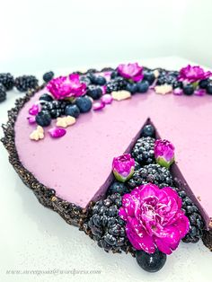 Oreo & Blackberry Tart – Sweet baking by Goshhi My Favorite Color, My Favorite Things, Butter Ingredients, Purple Cakes, Hand Blender, Purple Lipstick, Oreo Cookies, Melted Butter, How To Make Cake