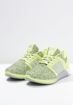 e21741bd549 adidas Performance SOLAR BOOST - Baskets basses - semi frozen yellow silver  metallic frozen yellow - ZALANDO.FR