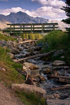 Johnson Lake, The Minnewanka loop, Banff National Park, Alberta, Canada