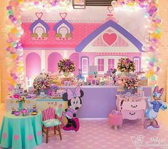 birthday party ideas for girls Candy Theme Birthday Party, Minnie Mouse Theme Party, 1st Birthday Party For Girls, Mickey Birthday, Mouse Parties, Birthday Party Decorations, Birthday Nails, Daisy Duck Party, Deco Table