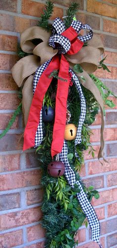 Country cottage chic primitive Christmas swag by LisasLaurels, $39.00