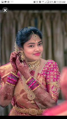 Makeup and jewellery Wedding Saree Blouse Designs, Half Saree Designs, Pattu Saree Blouse Designs, Fancy Blouse Designs, Blouse Neck Designs, Blouse Patterns, Wedding Saree Collection, Indian Bridal Wear, Indian Wear