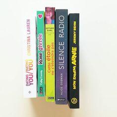 Hello ☕ Pour commencer la journée, voici un petit point sur mes dernières #receptions ! De jolies lectures à venir, dont je vous reparlerais 📚   #bookstagram #imm #instabook  #bookstagramer #lecture #livre #book #books #reading #romance #jeunesse #bookblogger #blogueuse #pal #vendredilecture