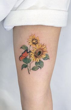 Celebrate the Beauty of Nature with these Inspirational Sunflower Tattoos - KickAss Things Baby Tattoos, Rose Tattoos, Body Art Tattoos, Small Tattoos, Sleeve Tattoos, Family Tattoos, Sunflower Tattoo Shoulder, Sunflower Tattoos, Sunflower Tattoo Design