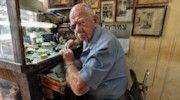 panoramic photo of Mordechay Milgrom, watchmaker, at his shop in Tel Aviv (Israel) Panoramic Photography, Tel Aviv, Inspire, Artists, Words, Inspiration, Biblical Inspiration, Horse, Inspirational