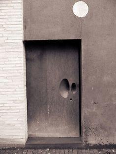 Door Handle -- Door to the Kolumba Museum by Peter Zumthor The Doors, Entrance Doors, Doorway, Windows And Doors, Peter Zumthor, Swiss Architecture, Interior Architecture, Installation Architecture, Ancient Architecture
