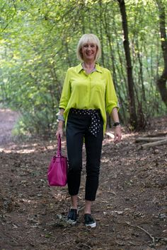 A lime shirt with black and white details - No Fear of Fashion Polka Dot Socks, Polka Dot Scarf, Scarf Belt, Face Photo, Vintage Boutique, Black Trousers, Fun To Be One, My Wardrobe, My Outfit