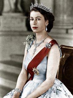 Sangue real. A rainha ElizabethII impecável