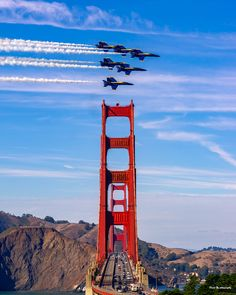 Fleet Week San Francisco 2018 This was the blue angels last fly over in a group. Fleet Week San Francisco, Living In San Francisco, San Francisco California, Blue Angels Air Show, Us Navy Blue Angels, Puente Golden Gate, Cool Pictures, Cool Photos, Over The Bridge