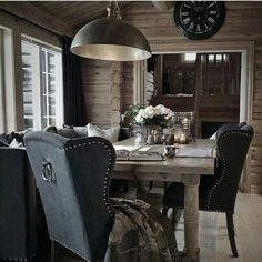Rustic home office with a suspended stainless steel pendent light fixutre Chalet Interior, Gray Interior, Interior Design, Cabin Homes, Log Homes, Log Cabin Living, Cabin Chic, Luxury Cabin, Cabins And Cottages