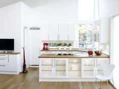 Bois Comptoirs de cuisine modernes façades d'armoires de verre et forme blanche