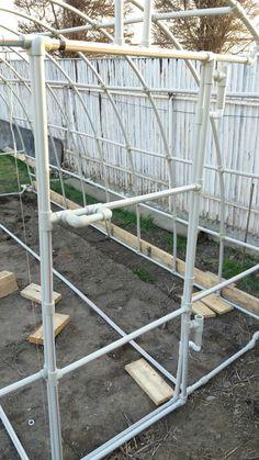 Tunnel Greenhouse, Greenhouse Farming, Backyard Greenhouse, Greenhouse Growing, Greenhouse Plans, Diy Hydroponik, Garden Retaining Wall, Greenhouse Interiors, Garden Guide