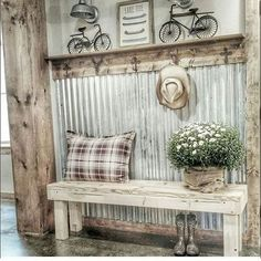 Vintage Farmhouse Decor There are many rustic wall decor ideas that can make your home truly unique. Find and save ideas about Rustic wall decor in this article. Diy Home Decor Rustic, Rustic Wall Decor, Rustic Walls, Country Decor, Rustic Bench, Rustic Wood, Texas Home Decor, Rustic Art, Rustic Shelves