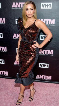 Rita Ora Rita Ora, Celebrity Gowns, Celebrity Red Carpet, Celebrity Style, Red Carpet Dresses, Ball Dresses, Nice Dresses, Brown Dress, Night Looks