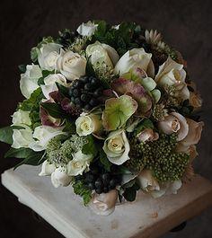 フレンチスタイル、フラワーアーテイスト、ローラン・ボーニッシュ Flowers For You, Green Flowers, White Flowers, Beautiful Flowers, Flower Aesthetic, Flower Art, Flower Ideas, Flower Decorations, Floral Arrangements