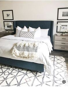 45 Best Modern Bedroom Design Ideas - Home Decorating Inspiration Urban Outfiters Bedroom, Blue Master Bedroom, Dream Bedroom, Charcoal Bedroom, Neutral Bedrooms, Bedroom Black, Sofa Design, Interior Design, Interior Rugs