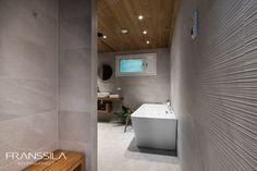 Omakotitalon erillinen vessa, kylpyhuone ja sauna muutettiin yhdeksi isoksi spa-osastoksi. Spa, Bathtub, Bathroom, Standing Bath, Washroom, Bath Tub, Bath Room, Tubs, Bathrooms