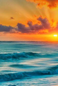 Beautiful ocean waves - via Kyoung Woo Park 박 경우's photo on Google+