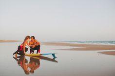Sesión preboda surfera en la playa El Palmar en Tarifa {Foto, Pedro Bellido} #engagementsession #lovesession #spain