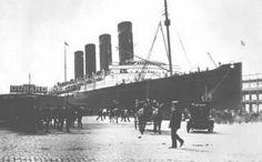 El Lusitania fue hundido a 10 millas de la costa meridional de Irlanda, a las 14:11 del 7 de Mayo de 1915 solo 18 minutos después de recibir el impacto de un torpedo alemán, con el trágico nbalance ded 1198 víctimas. En aquel su último viaje de Nueva York a Liverpool llevaba a bordo mas de 2000 pasajeros, y 800 tripulantes. Se había declarado ya la I Gran Guerra, aunque los EE.UU. no habían entrado todavía en la misma.