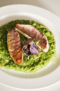 Sautéed mullet with aparagus and chlorophyll rice