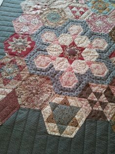 Lilabelle Lane: The Tula Pink  La Passacaglia    quilts ... : red shed quilting - Adamdwight.com