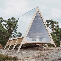 Nolla: A mobile cabin made without a wisp of a carbon footprint Created by Finnish minimalist architecture expert Robin Falck in partnership with marketing company Neste, this mobile cabin is a real game-changer in the world of design and technology. Tiny House Cabin, Tiny House Design, Home Design, Tiny Cabins, A Frame Cabin, A Frame House, Minimalist Architecture, Architecture Design, Cabins In The Woods