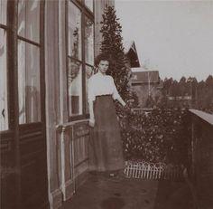 Tatiana on the balcony of the Hunting Lodge, Spala, 1912