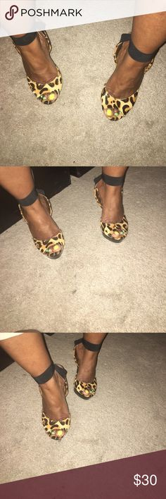 Jessica Simpson Leopard print heels Gently worn Jessica Simpson leopard print heels with an elastic crisscross strap around the ankle. If your ankle is small, you may need to have the shoe repairman shorten the elastic Jessica Simpson Shoes Heels