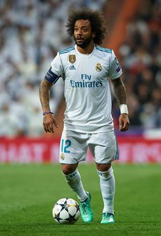 Marcelo of Real Madrid in action during the UEFA Champions League Quarter Final Second Leg match between Real Madrid and Juventus at Estadio Santiago Bernabeu on April 2018 in Madrid, Spain. Get premium, high resolution news photos at Getty Images Best Football Players, Football Girls, Girls Soccer, World Football, Soccer Fans, Sport Football, Soccer Players, Football Match, Football Fans