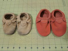 Free pattern for scalloped suede baby moccasins