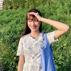 April Naeun 🖤💙💜 (@betterlee_0824) • Instagram photos and videos 90s Girl, Uzzlang Girl, Korean Girl, Asian Girl, Just Girl Things, Korean Actresses, Girl Crushes, Kpop Girls, Korean Fashion