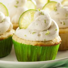Margarita Cupcakes with Key Lime Cream Cheese Frosting Margarita Cupcakes, Key Lime Cupcakes, Gin And Tonic Cupcakes, Sweet Cupcakes, Drunken Cupcakes, Summer Cupcakes, Ladybug Cupcakes, Kitty Cupcakes, Margarita Mix