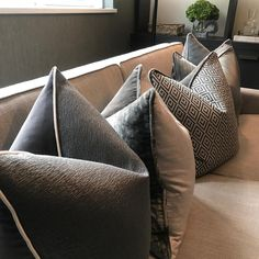 Scatter Cushions, Cushions On Sofa, Throw Pillows, Accent Pillows, Luxury Cushions, Custom Cushions, Decor Interior Design, Interior Styling, How To Dress A Bed