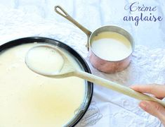 creme anglaise facile Custard Recipes, Pastry Recipes, Scary Food, Glass Of Milk, Creme, Sweet Tooth, Sauce, Pain, Compost