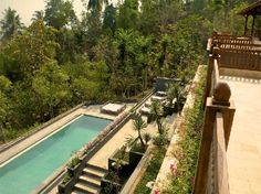 Beautiful villa-hotel with breathtaking views of the Borobudur and its surroundings.  Luxury -  Privacy - Authentic Java  www.villaborobudur.com