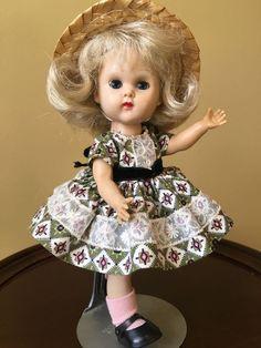 Vintage Vogue MLW Ginny Doll, Print Dress, 1954-1956