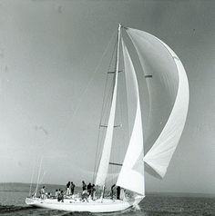 Sparkman & Stephens: Design 2089 - Dora IV