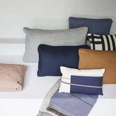 Show your couch, lounge chair or bed some extra love with Ferm Living& stylish, Scandinavian-modern pillows. Unique mixes of color and fresh designs make it ha Colourful Cushions, Blue Cushions, Cushions On Sofa, Bed Pillows, Modern Blankets, Modern Throw Pillows, Danish Design, Modern Design, Design Bestseller