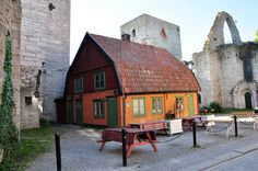 Café Paradiset, Syskongatan, Visby, Gotland Native Country, Sweden Travel, Beautiful Islands, Semester, Cabin, Architecture, House Styles, Buildings, Painting