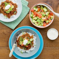 Fresh tomato salsa and sour cream give this dish Spring freshness. Recipe For 2 People, Fresh Tomato Salsa, I Foods, Sour Cream, Food Inspiration, Pork, Rice, Cooking Recipes, Beef