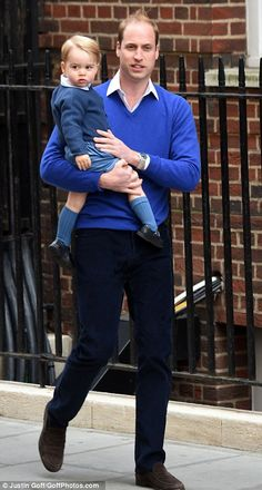 Prince William arrived at the hospital at 4.15pm with Prince George to introduce his new baby sister, he is just so adorable! <3