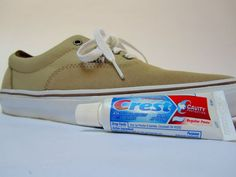 Picture of Unscuff your Air Force Ones, Murphy Lee Diy Cleaning Products, Cleaning Solutions, Cleaning Hacks, Diy Products, How To Clean White Shoes, How To Clean Suede, Murphy Lee, Cleaning Sneakers, Uses For Toothpaste