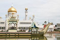 A glimpse into one of the richest countries in the world: the Sultanate of Brunei