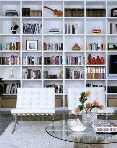 Me encantan los libros y la decoración con ellos me fascina :)
